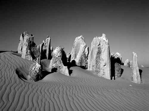 800px pinnacles western australia